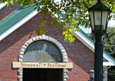 stonewall-farm-stallion-barn-03